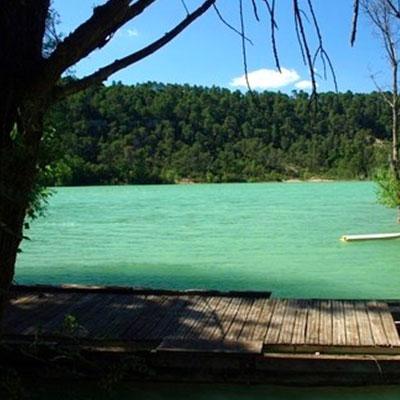 Baignade au lac de Cécelès dans l'Hérault