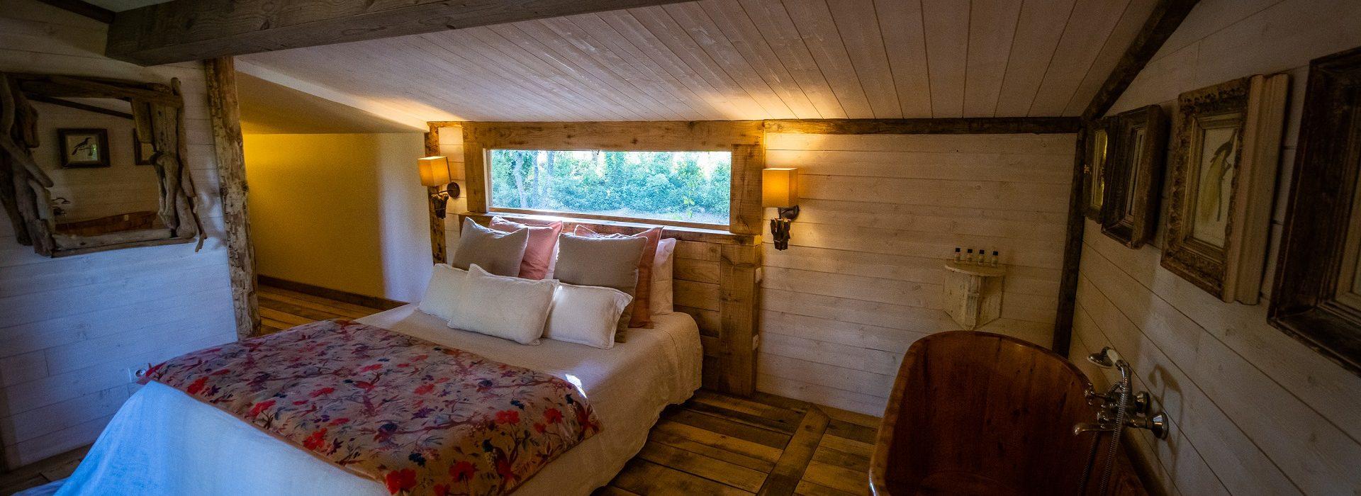 Cabane en bois avec jacuzzi pour 2