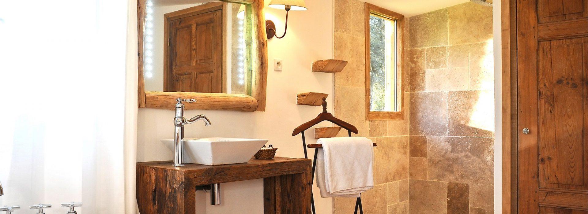 Salle de bain dans le gîte